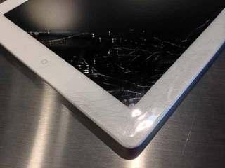 iPad 画面割れ